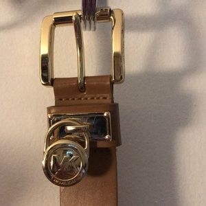 MICHAEL KORS Gold/brown Leather Belt with Charm